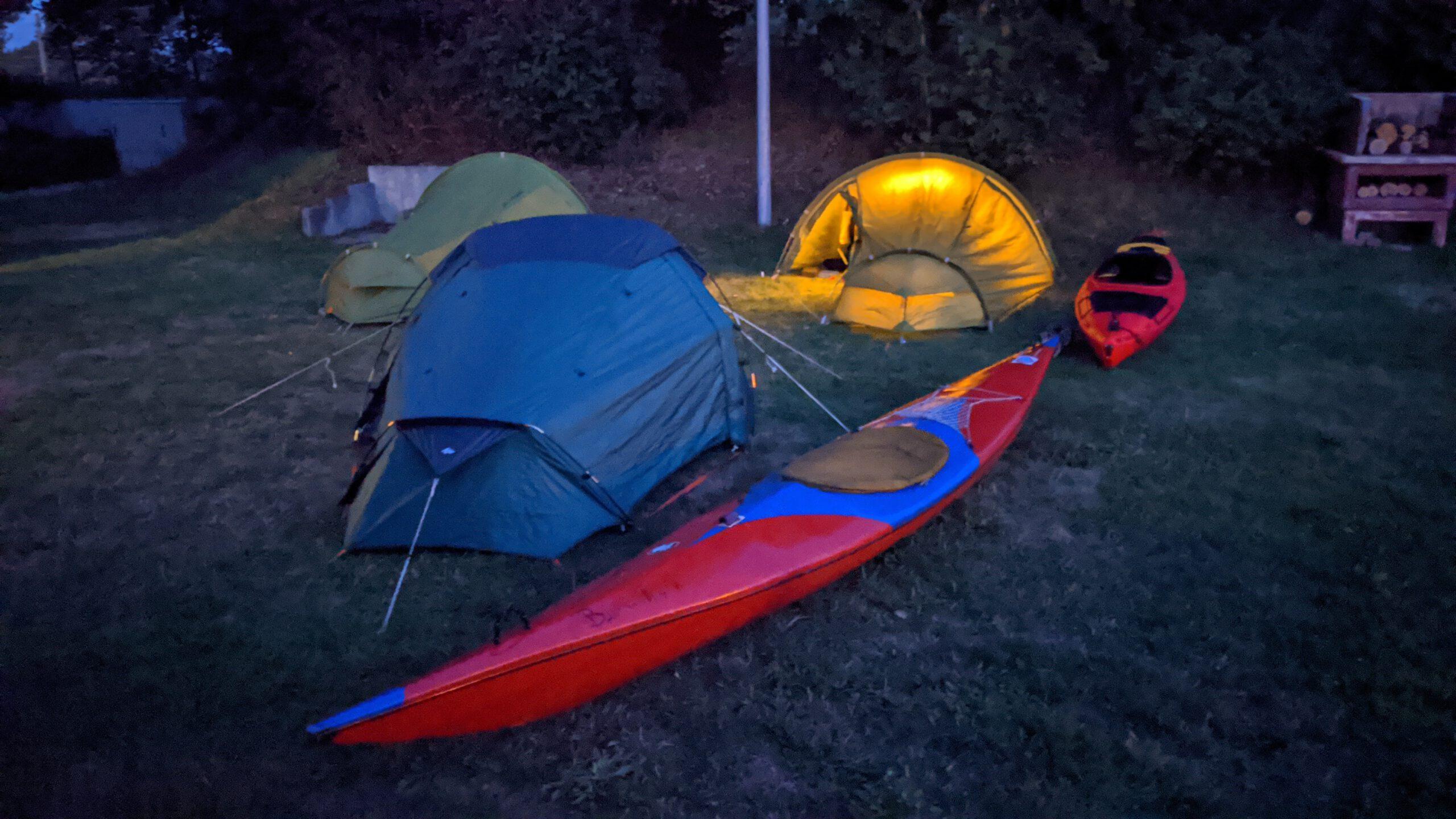 Nachtlager am Bootshaus der Kanufreunde Emshaie Greven e.V.