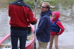 Unterhaltung am Fluß